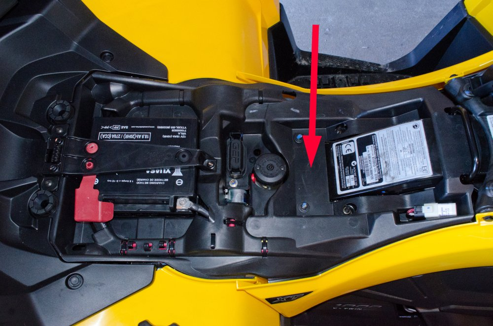Wolverine_Fuse_Box 2014 Mar 23 7592m billavista com can am accessory fuse box atv tech article by fuse box location for can am 2004 outlander at bayanpartner.co