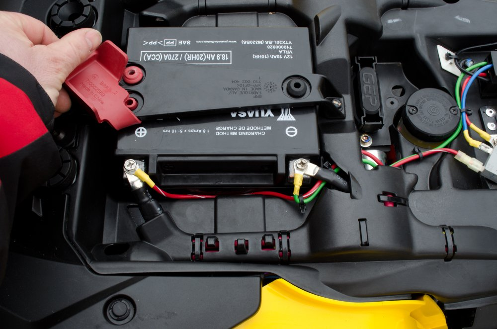 can am 1000 fuse box auto electrical wiring diagram u2022 rh 6weeks co uk 2008 can am renegade 800 fuse box location