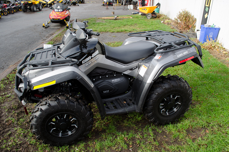 grizzly 700 vs can am outlander 650 my impression