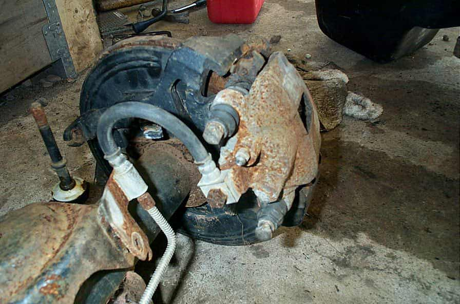 BillaVista com-Dana 44 Rear Axle Disc Brake Conversion Tech